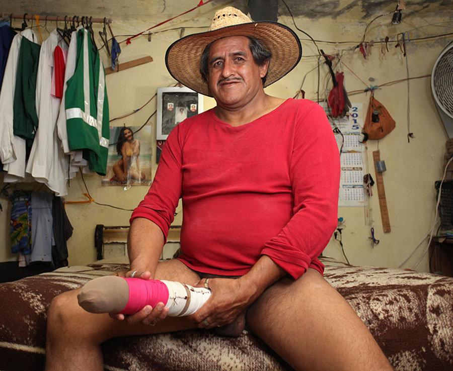 Roberto Esquivel Cabrera, 54, from Saltillo, Mexico, has a penis measuring a colossal 18.9 inches.
