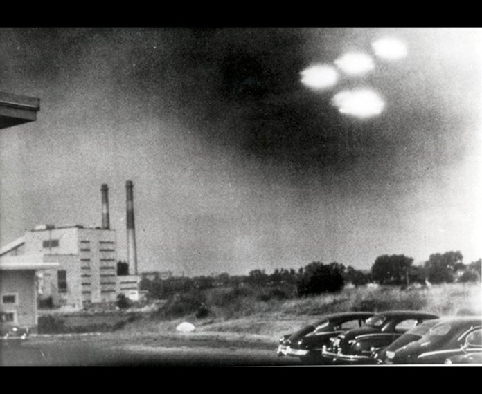 Many American's believed this photo to prove the existence of UFO