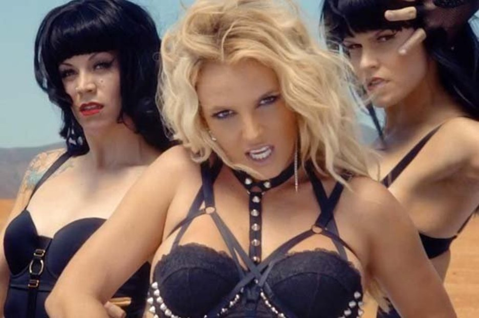 Spears Loves S And Britney M Dominatrix
