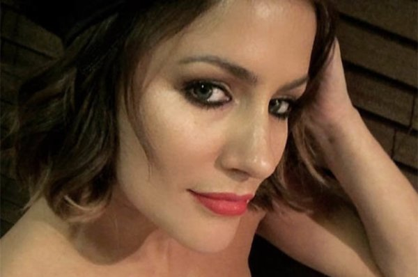 Caroline Flack Instagram: Love Island 2018 host flashes ...
