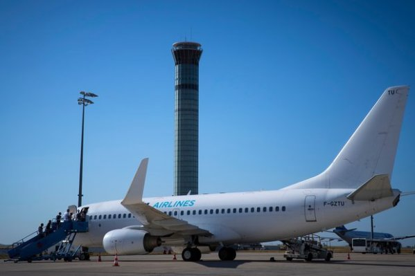 ASL Airlines Boeing 737 evacuated in France after fears