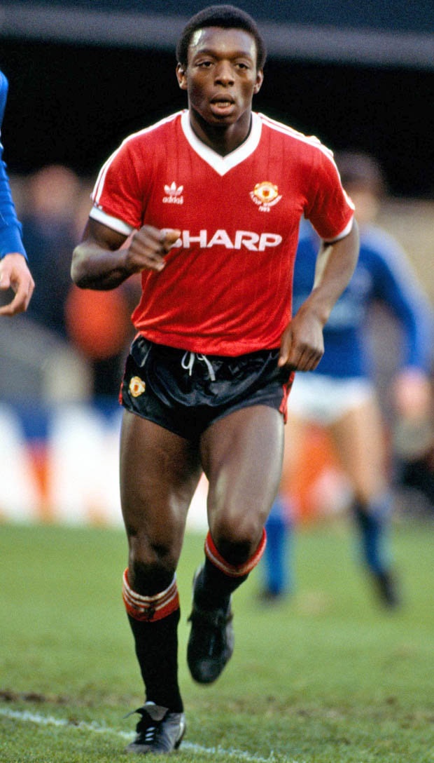Man United News Former Old Trafford Ace Tears Into Paul