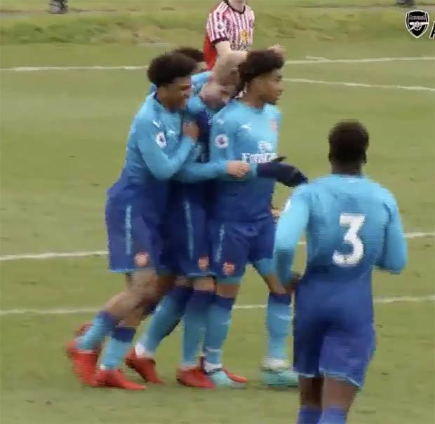 Emile Smith-Rowe celebrating an Arsenal goal