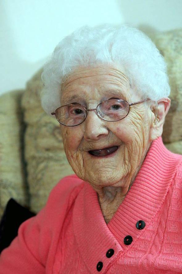 5000 Send Birthday Wishes To Betty 104 Years Old UK News