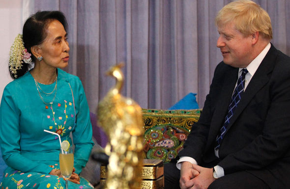 Boris Johnson with Burmese official Suu Kyi