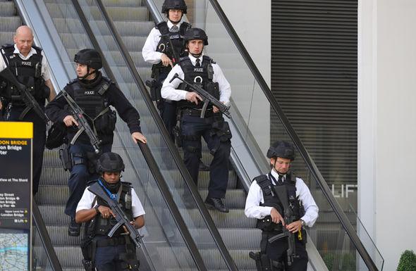 Police storm London bridge