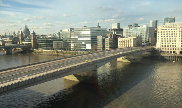 London bridge cleared of people