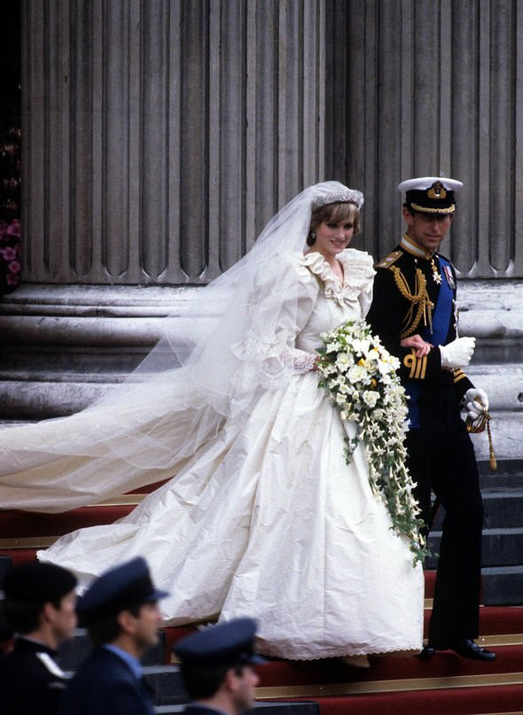Princess Diana and Prince Charles romance: How old was ...