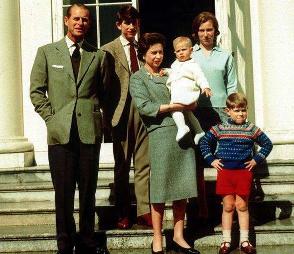 Queen Elizabeth and Prince Philip wedding anniversary ...