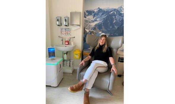 Karen Hockney tries oxygen therapy