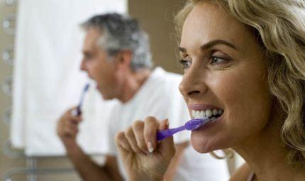 Berbagi Sikat Gigi dengan Pasangan- Global Estetik Dental Care