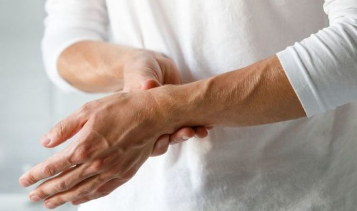 Rheumatoid arthritis early signs: The 12 early signs of this debilitating condition