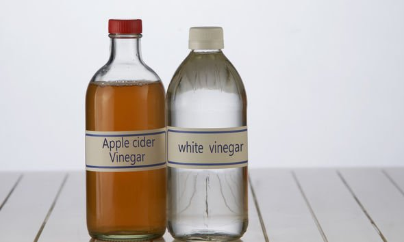White vinegar weed killer: White vinegar