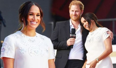 Meghan Markle & Harry's body language shows Duchess is 'leader' in public: 'Bigger star'