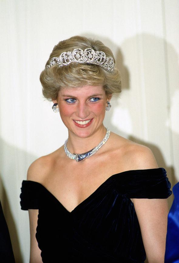 Princess Diana: Wearing the Spencer tiara, Diana's niece ...