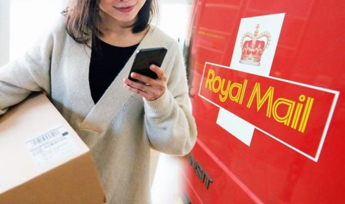 Royal Mail users urged to 'be aware' of scam text circulating now - 'do not click link'