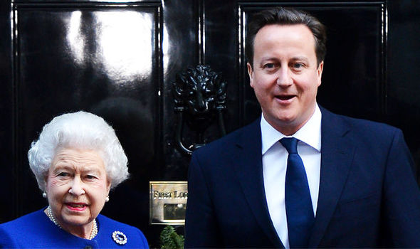 Cameron 'dragging Queen into bid for EU reforms ...