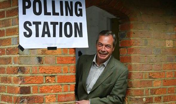 Nigel Farage says he will be ousted as leader if he doesn't win seat