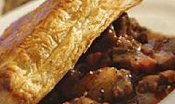 Slow Cooker Steak & Sausage Pie « Glasgow guy in Edinburgh