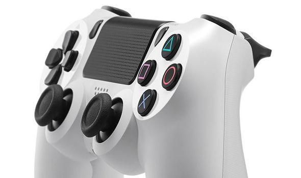 PS4 White DualShock 4 controller