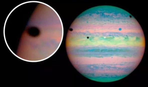 NASA news: Hubble telescope spots extremely rare 'peculiar ...