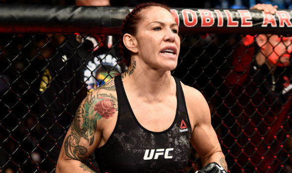 https://i1.wp.com/cdn.images.express.co.uk/img/dynamic/167/590x/ufc-219-results-cris-cyborg-898310.jpg?w=1060&ssl=1