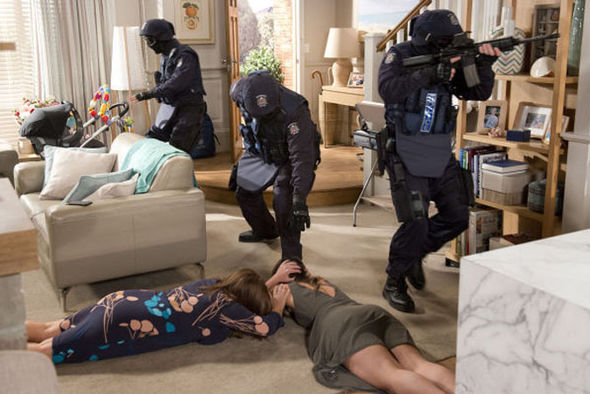 Neighbours Weekly Recap: Terror gun attack for Piper ...