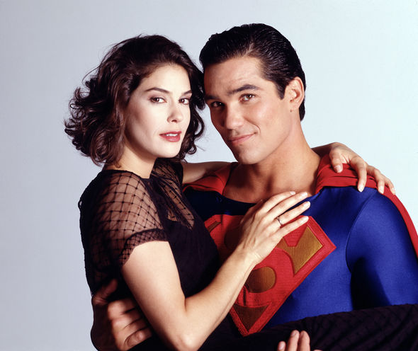 Terri Hatcher alongside Dean Cain