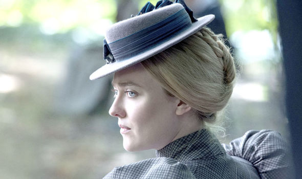 Dakota Fanning as Sara Howard in The Alienist
