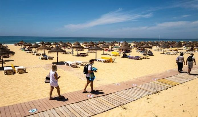 EU eases travel restrictions for vaccinated tourists but excludes the UK