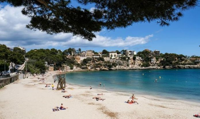 Balearics join 'EU coordinated approach' and call for tougher rules on UK travellers
