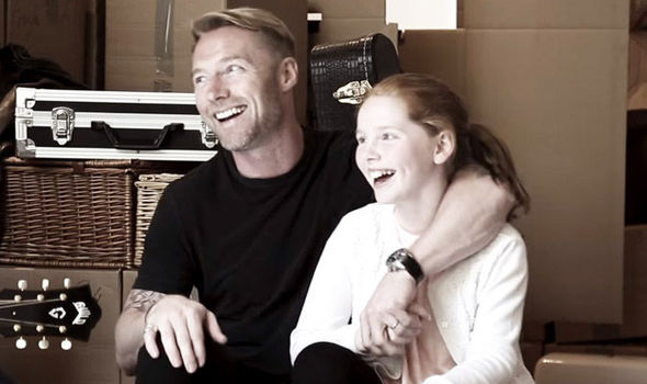 Watch Ronan Keating Sing Think I Dont Remember In His