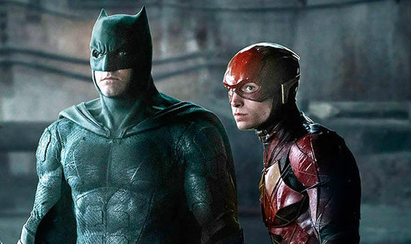 Ben Affleck (Batman) e Ezra Miller (Flash). Será o ator o intérprete do Morcego em The Batman?