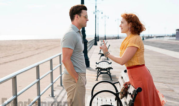 Kate Winslet shines in Wonder Wheel