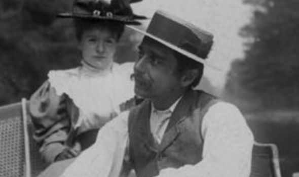 HG Wells with his wife Jane in 1895