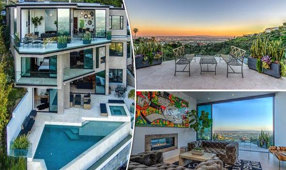 Minecraft Gamer Buys 45m MEGA Mansion Property Life