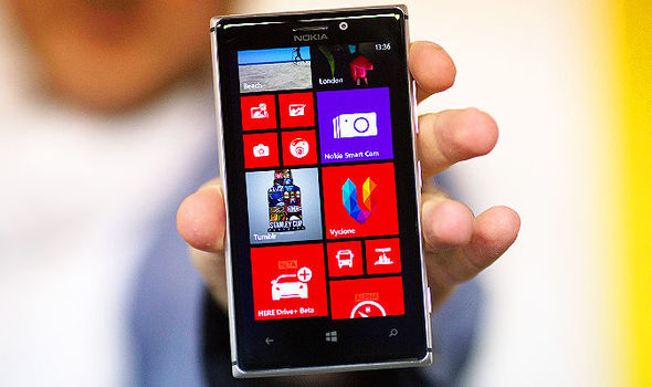 Microsoft built an edge-to-edge Windows Phone smartphone three years before Samsung