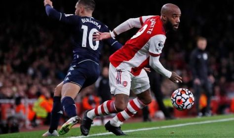 Alexandre Lacazette doubles down on Arsenal contract message in win over Aston Villa