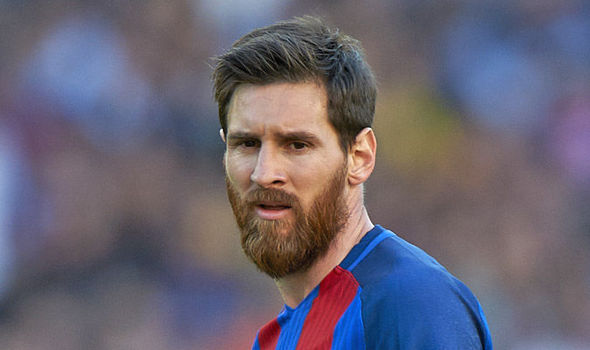 Lionel Messi Barcelona Star Concerned About Cristiano