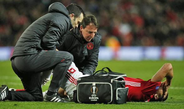 Zlatan Ibrahimovic injured at Man Utd