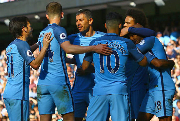Manchester City maintained their hopes of claiming a top four place