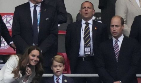 Duke of Cambridge visits England changing room after Euro 2020 final to share message