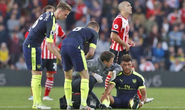 Southampton 0-2 Arsenal: Wenger gives Oxlade-Chamberlain ...