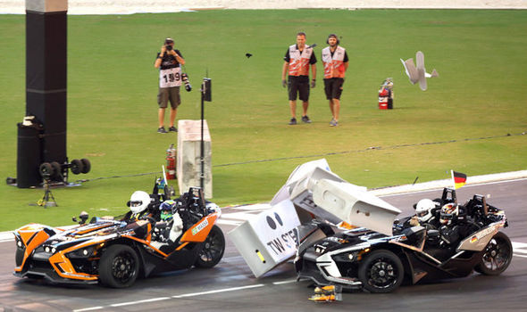 Pascal Wehrlein crashes at the Race of Champions