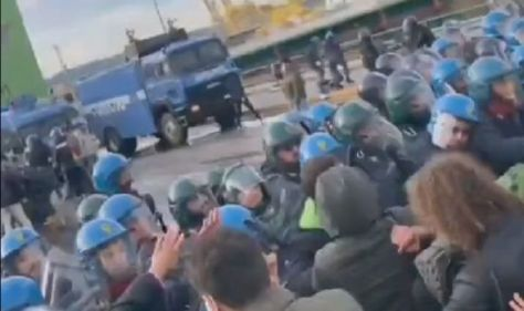 Trieste port staff clashes with police as they fight back against Italy's mandatory Covid