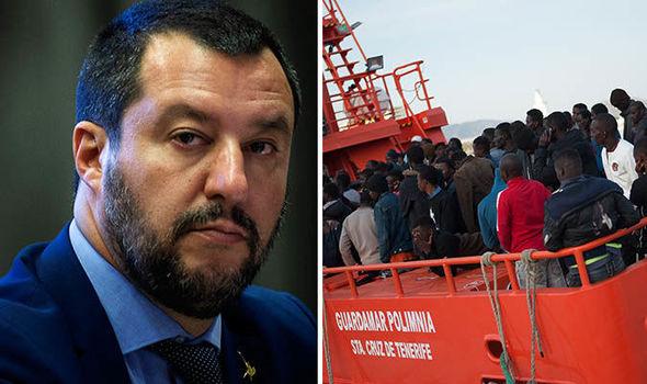 """Résultat de recherche d'images pour """"salvini migrants"""""""