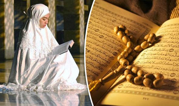 Ramadan: Muslim woman praying with Quran