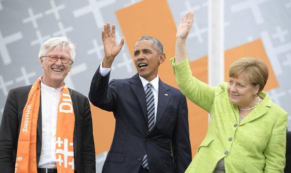 Barrack Obama and Angela Merkel amid Trump meeting