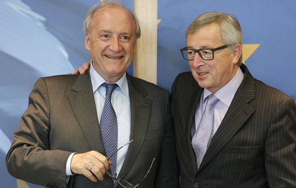 Former French Foreign Minister Hubert Védrine and Jean-Claude Juncker