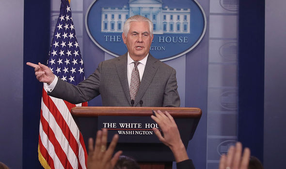 Trump plots to drop Rex Tillerson after blasting chief ...